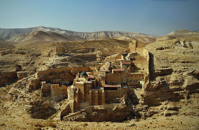 Христианский монастырь в Иудейской пустыне